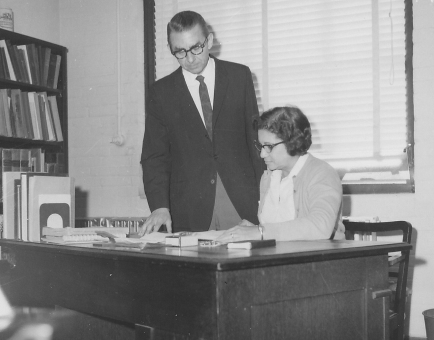 Glenn Sonnedecker consulting with Nydia King in 1965